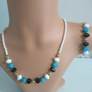 Beaded 3 piece jewelry set.